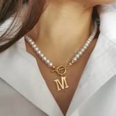 Naszyjnik z perełek z literką 🤍  Kolejna piękna realizacja 🤍  Czy wiecie, że PERŁAsymbolizuje  szczerość, uczciwość, mądrość. To nie tylko elegancki dodatek ale także talizman 🤍 WWW.beadme.PL ❤️ #biżuteriapersonalizowana #biżu #polskierękodzieło #naszyjnik #celebrytka #choker #naszyjnikzliterka #perełki #perly #bizuteriapersonalizowana #perły #naszyjnikperły #handmadebracelet #rękodzieło #sklepzbiżuterią #zrobionewpolsce #moda #biżuteriaautorska #moda #dodatkiślubne #modnakobieta #rodzew2021 #beautygirl #fashionblogger #będęmamą #makeupartist #slowfashion #beautifuldestinations