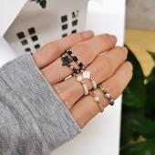 """Dzień dobry 😍❣️ Pierścionek elastyczny skradł Wasze serduszka ❤️ Najczęściej wybieracie wersję z krzyżykami lub """"różaniec"""" ✨ 💎 Miłego dnia 💎 Więcej na www.beadme.pl 🌺 #pierscionek #pierścionekelastyczny #elasticring #ring #pierscionekzkoralikow #biżuteria #rękodzieło #sklepzbiżuterią #zrobionewpolsce #jewelrystore #modnedodatki #modnakobieta #beautygirl #fashionblogger #elastycznepierścionki #biżuteriapersonalizowana #biżu #polskierękodzieło #polskamarka #madeinpoland #biżuteriaautorska #bizuteriamodowa #bizuteriarecznierobiona"""